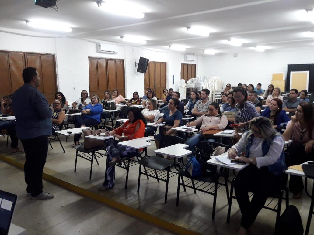 Municípios participam de formação do Concurso de Desenho e Escrita